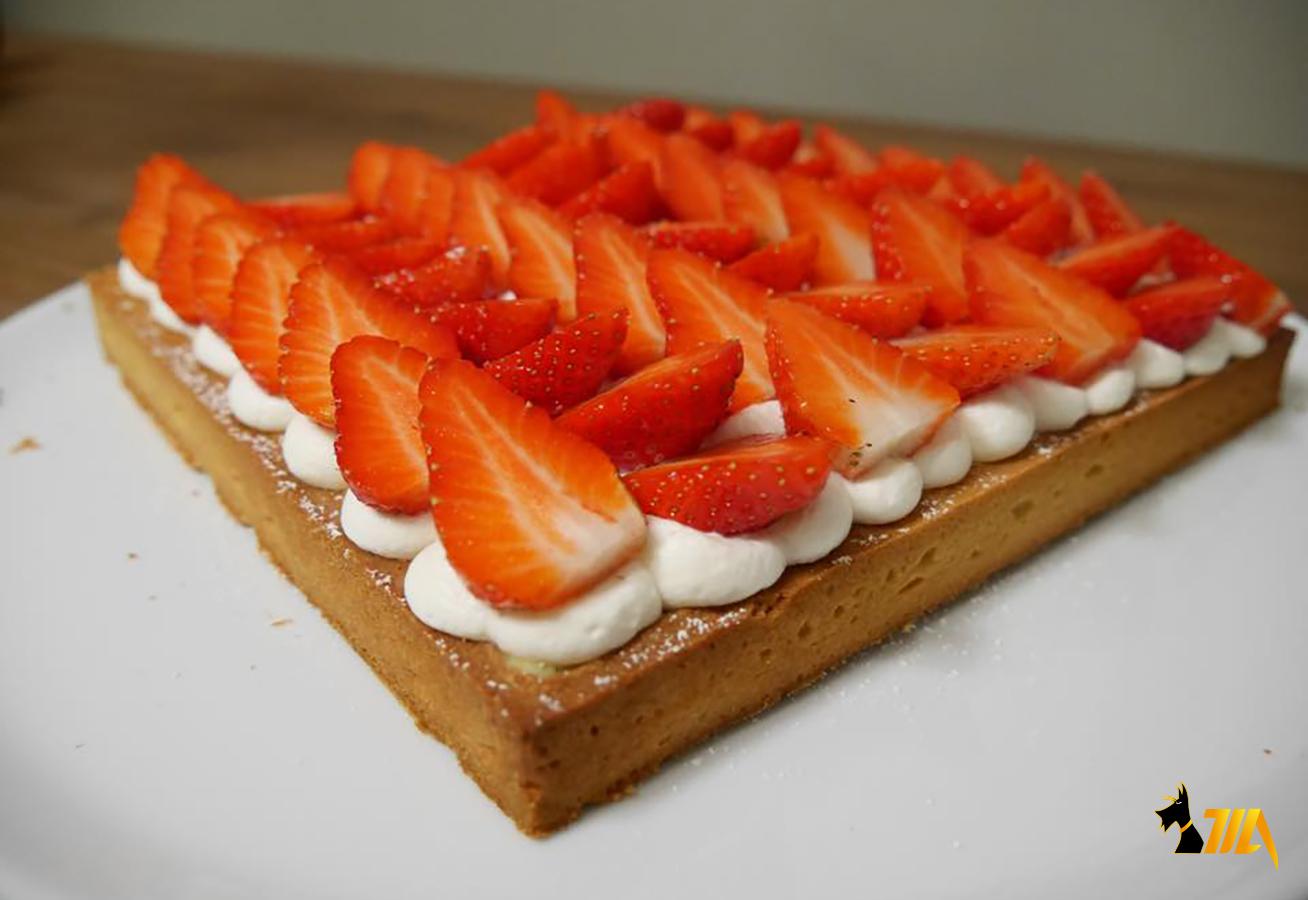 tarte aux fraises sur lit de chantilly cook expert magimix. Black Bedroom Furniture Sets. Home Design Ideas